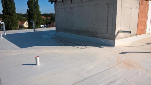 Lapostető , magastető csapadékvíz elleni szigetelés Debrecen Sámsoni út Határvadász épület