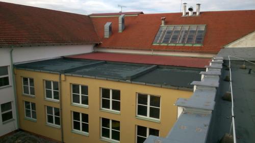 Lapostető , magastető csapadékvíz elleni szigetelés II. Rákóczi Ferenc Általános Iskola és Alapfokú Művészeti Iskola